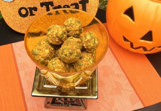 No Bake Superfood Rich Pumpkin Energy Bites to fuel you up during this fall
