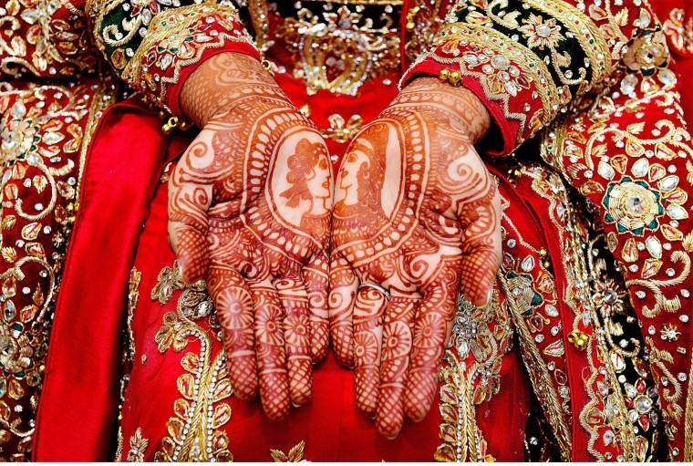 Heena-hands-indian-wedding