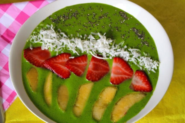 Green Smoothie for Green Health in less than 5 minutes for a quick nutrition boost and for Happy & Healthy living