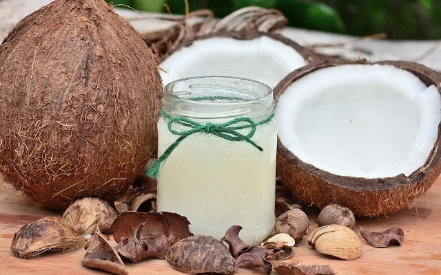 How to implement natural oils in your hair care routine
