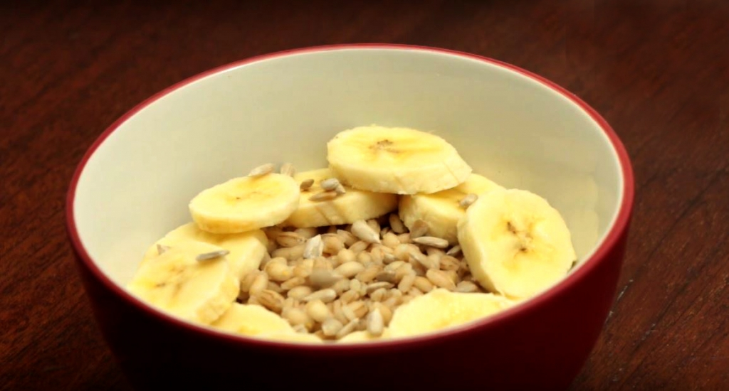 Breakfast Barley with Banana and Sunflower Seeds