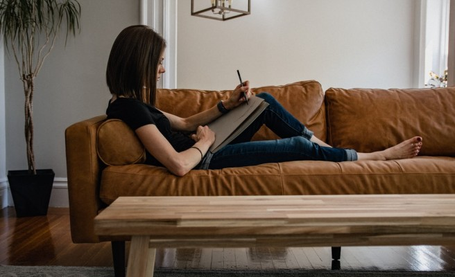 7 Easy Side Hustles You Can Do With Your Home